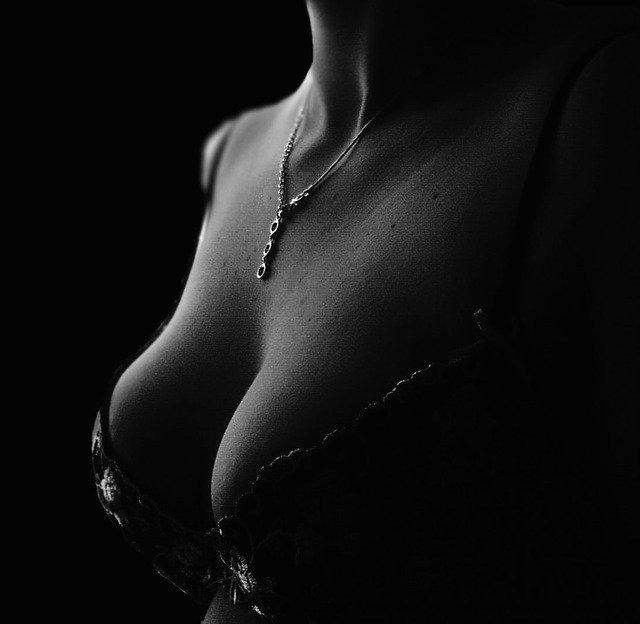 B-Lite Implantate sind leichte Brustimplantate für Brustvergrößerungen